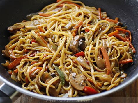 Tallarines con verduras, receta china | Vanesa Sierra ...