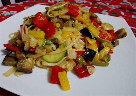 Tallarines con verduras salteadas Receta de Carolina ...
