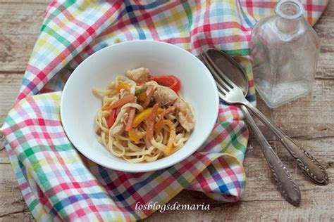 Tallarines con verduras y pescado | Comer con poco