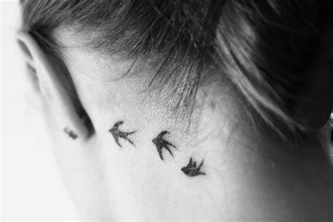 Tatuagens Brasil: Tatuagem Delicada No Ombro e no Pescoço