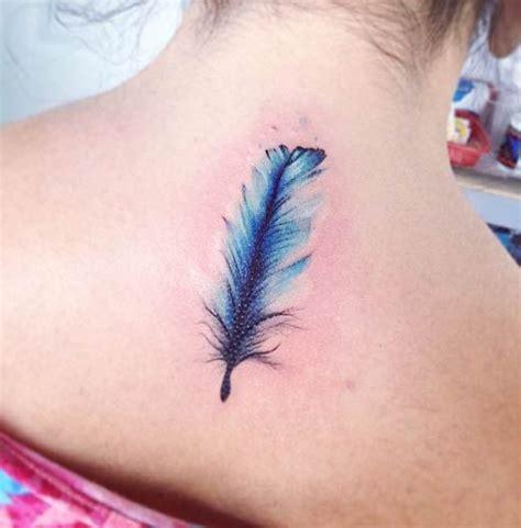 tatuajes de plumas para mujer y su significado ...