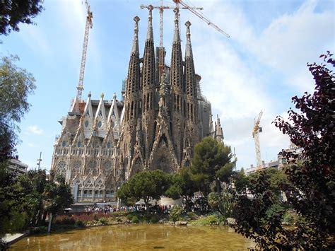 Templo Expiatorio de la Sagrada Familia   Wikipedia, la ...