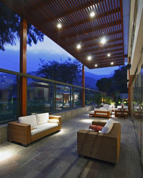 Terrazas decoradas con luces muy atractivas