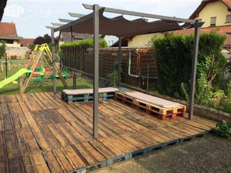 Terrazas hechas de palets | Arkiplus