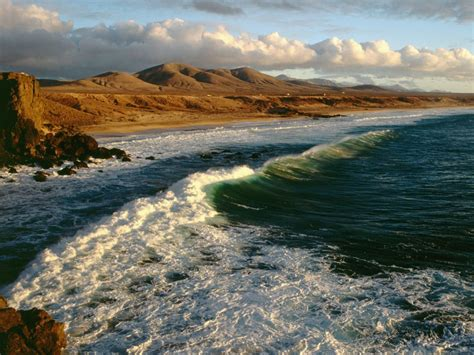 The 7 Best Beaches for Winter Surfing - La Vie Zine
