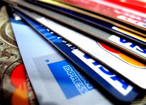 The Basic Types of Credit Cards - 13DB : everything about ...