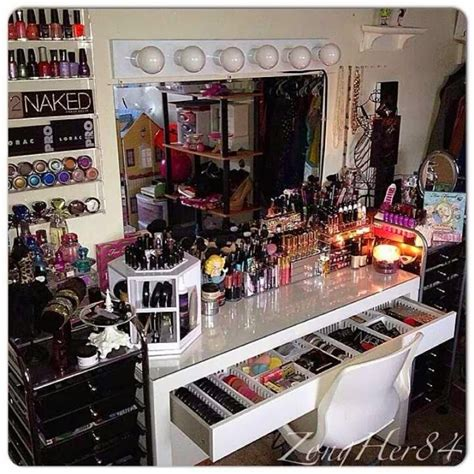 The Best Makeup Collections on Instagram - PrettyPRChick.com