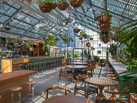 The Deal with Roy Choi's Commissary, Now Open at the Line ...