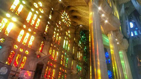The Magnificent Interior of La Sagrada Familia in Photos ...