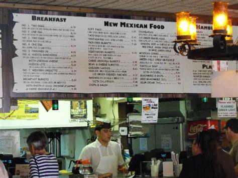 The menu board at the Frontier.   Foto de Frontier ...