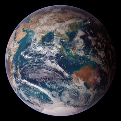 The Reel Foto: Earth From Space: NASA's Blue Marble East