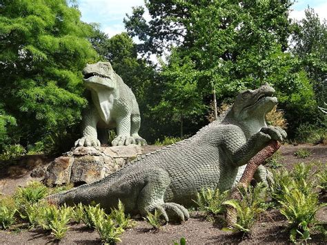 The Strange Victorian Dinosaurs of Crystal Palace Park ...