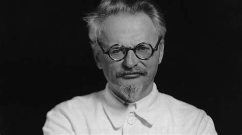 The Trotsky Assassination   History in the Headlines