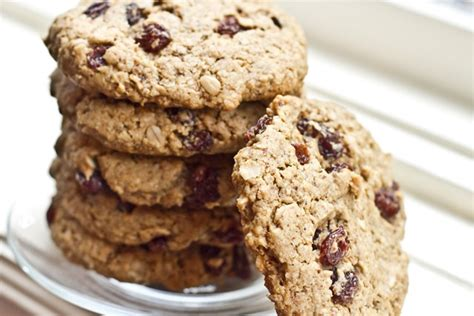 The Ultimate Vegan Oatmeal Raisin Cookie — Oh She Glows