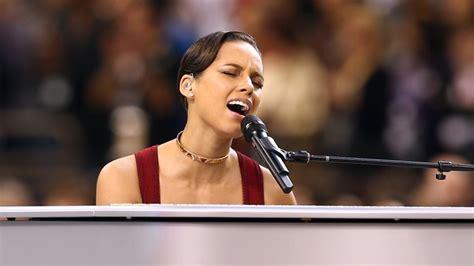 The worst National Anthem performances ever