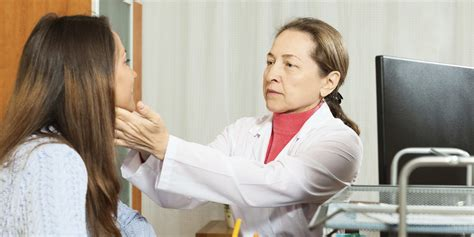 These Symptoms Of Mono Help Determine If It's The Virus ...