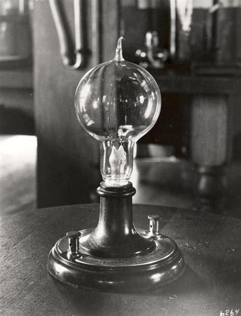 Thomas Edison Lightbulb | Thomas Edison Muckers: Your Blog ...