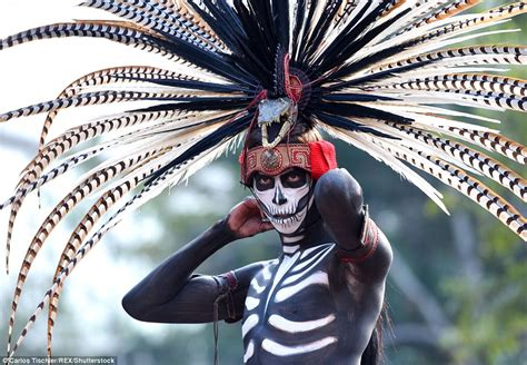 Thousands celebrate Day of the Dead in Mexico City parade ...
