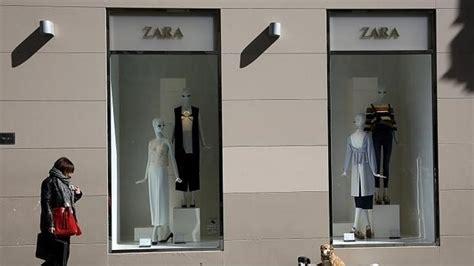 Tiendas Zara En Madrid. Top Interior De Una Tienda De Zara ...