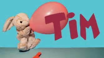 Tim se divierte jugando con globos de colores. ???? - Videos ...