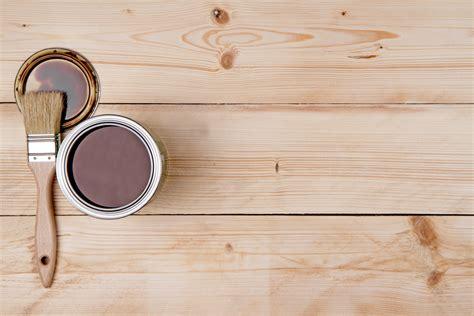 Tips para pintar y barnizar madera | Arauco Soluciones Chile