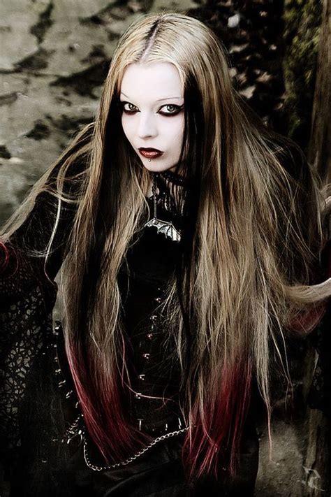 Todo sobre los peinados goticos y sus diferentes estilos ...