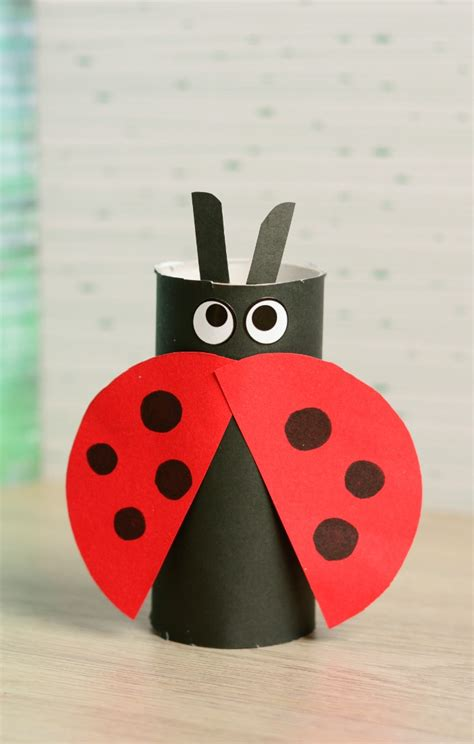 Toilet Paper Roll Ladybug Craft   Easy Peasy and Fun