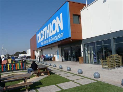 Toiture terrasse pour la nouvelle construction de Decathon ...