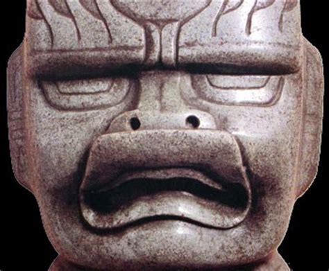TOLTECA: El Periodo Preclásico: los olmecas.