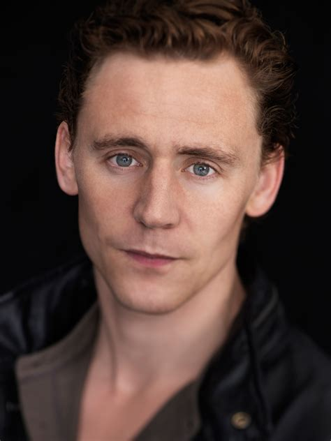 Tom Hiddleston photo 111 of 726 pics, wallpaper - photo ...