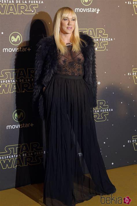Topacio Fresh en el estreno de  Star Wars: El Despertar de ...