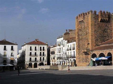 Tour a Cáceres, Córdoba y Sevilla