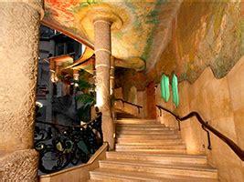 Tour por el Monasterio de Montserrat, el Món San Benet y ...