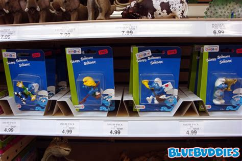 toys r us exclusive smurfs?