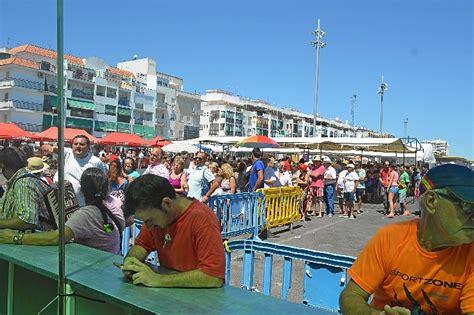 Tradicional sardinada por las fiestas del Carmen en Punta ...