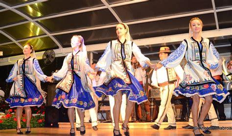 traditional clothing | Romania Dacia