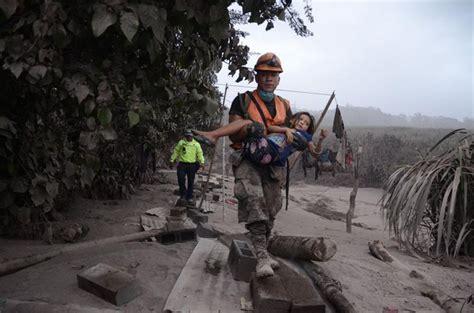 Tragedia tras erupción de volcán en Guatemala: Suman 38 ...