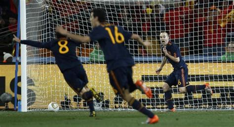 Tras el gol de Iniesta llega la euforia de la Selección ...