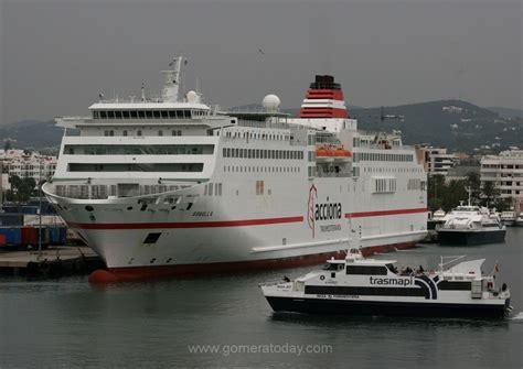Trasmediterranea ofrece billete de barco+bus en su ruta ...