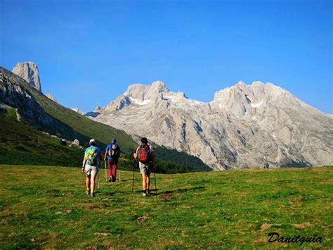 Trekking y Rutas de montaña en Picos de Europa /ANILLO DE ...