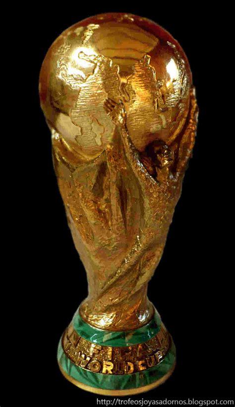 Trofeo_Copa_del_Mundo_de_Futbol 31275648 | RevistaPaco