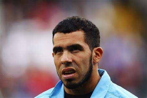 Tutta Manchester contro Carlos Tevez, la sua faccia sui ...