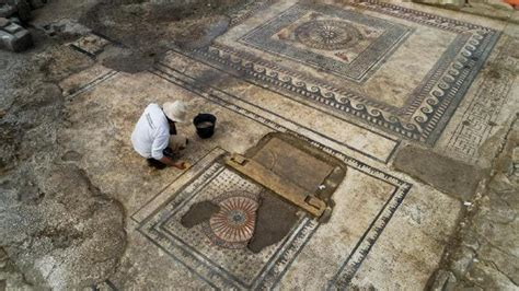 Ucetia in Uzes: Ancient Roman city discovered beneath ...