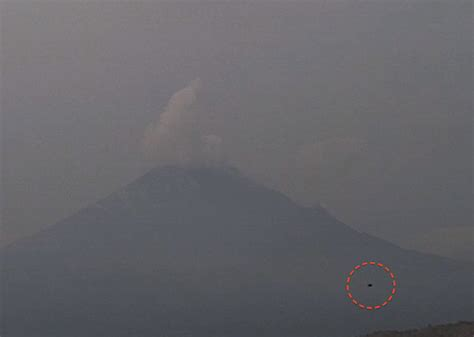 UFO SIGHTINGS DAILY: Dark UFO At Volcano Popocatepetl ...
