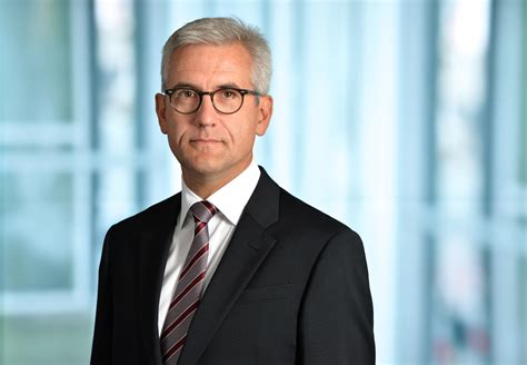 Ulrich Spiesshofer takes over as ABB's new Chief Executive ...