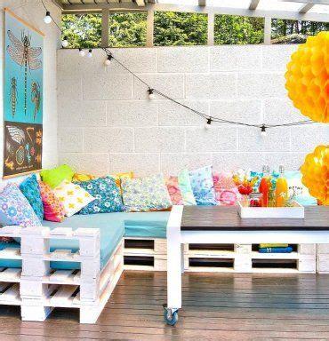 Un alegre porche con palets reciclados | Pintura ...