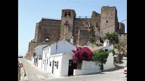 UN CASTILLO HABITADO   Castellar de la Frontera  Cádiz ...