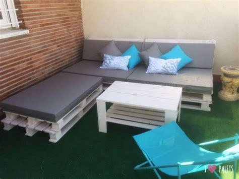 Un conjunto para el balcón hecho con palets – I Love Palets