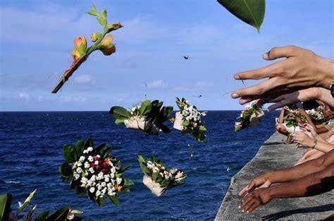 Un mar de flores para Camilo | Cubadebate