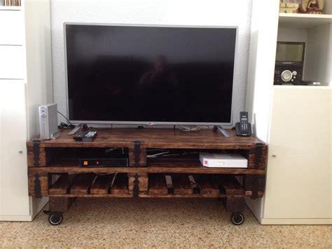 Un mueble para la televisión hecho con palets – I Love Palets